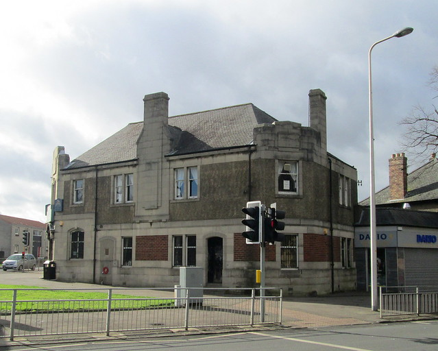 Ex-Servicemen's Club, Rosyth from East