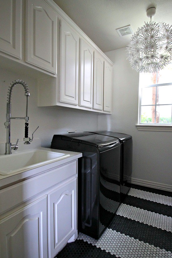 Hi Sugarplum | Laundry Room Makeover