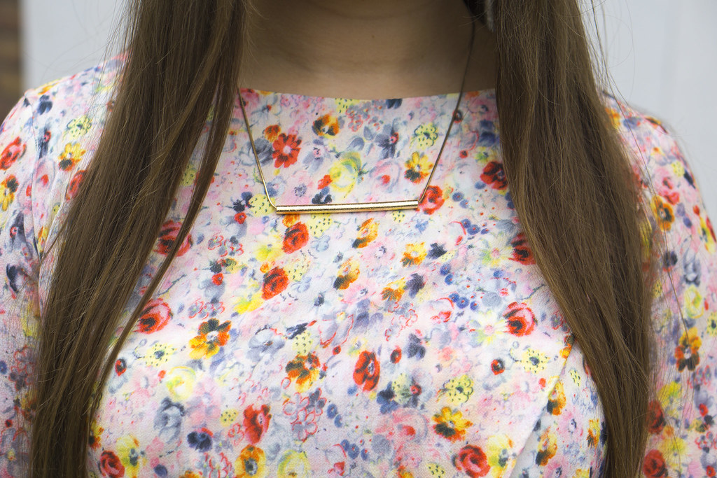 FloralShirtoutfitnecklace