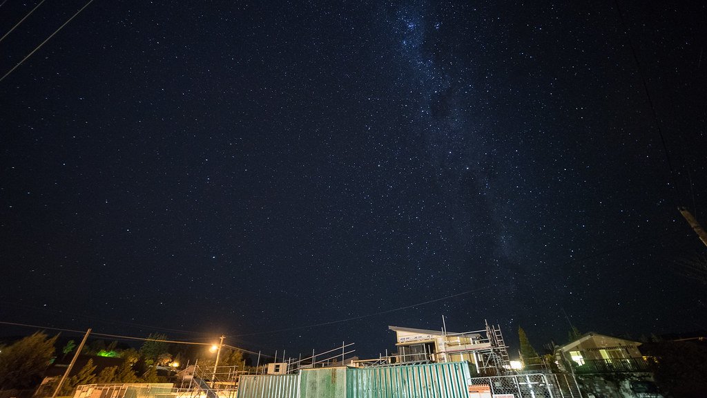 Galaxy in front of the YHA 青旅前的銀河