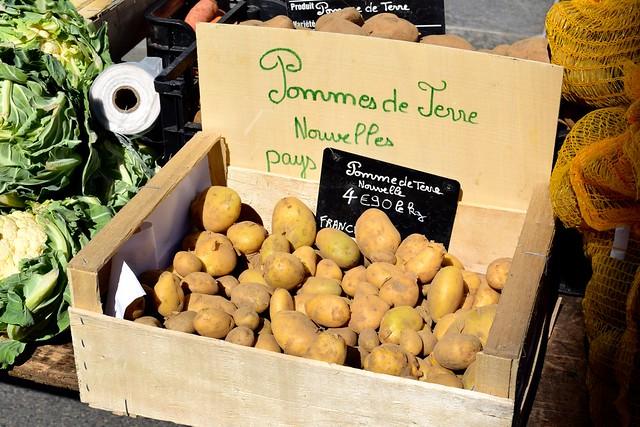 Potatoes at Combourg Market, Brittany | www.rachelphipps.com @rachelphipps