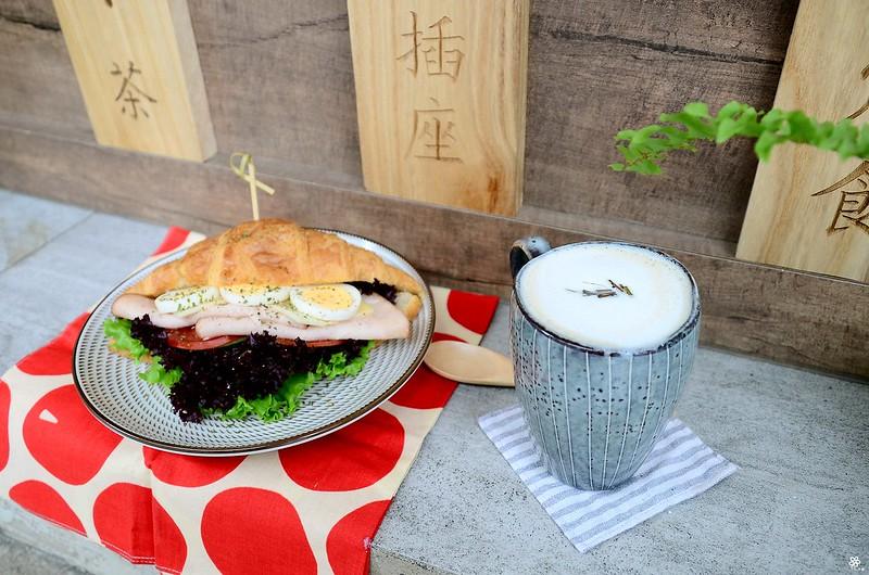小空間板橋早午餐咖啡廳不限時推薦小倉庫菜單時間新埔 (32)