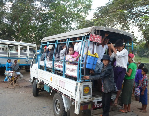 M 16-Yangon-Pathein-bus (7)