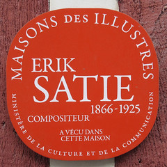 Photo of Erik Satie red plaque