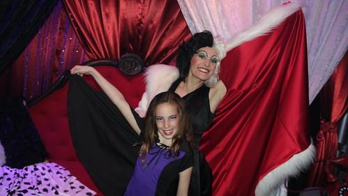 Cruella de Vil at Club Villain at Disney's Hollywood Studios in Disney World (121)