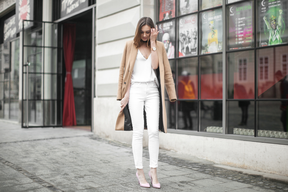 street-style-white-denim-total-white-looks