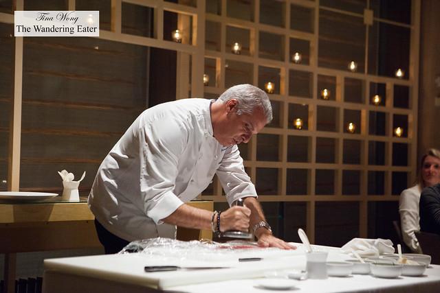 Eric Ripert demonstrating how to make tuna carpaccio