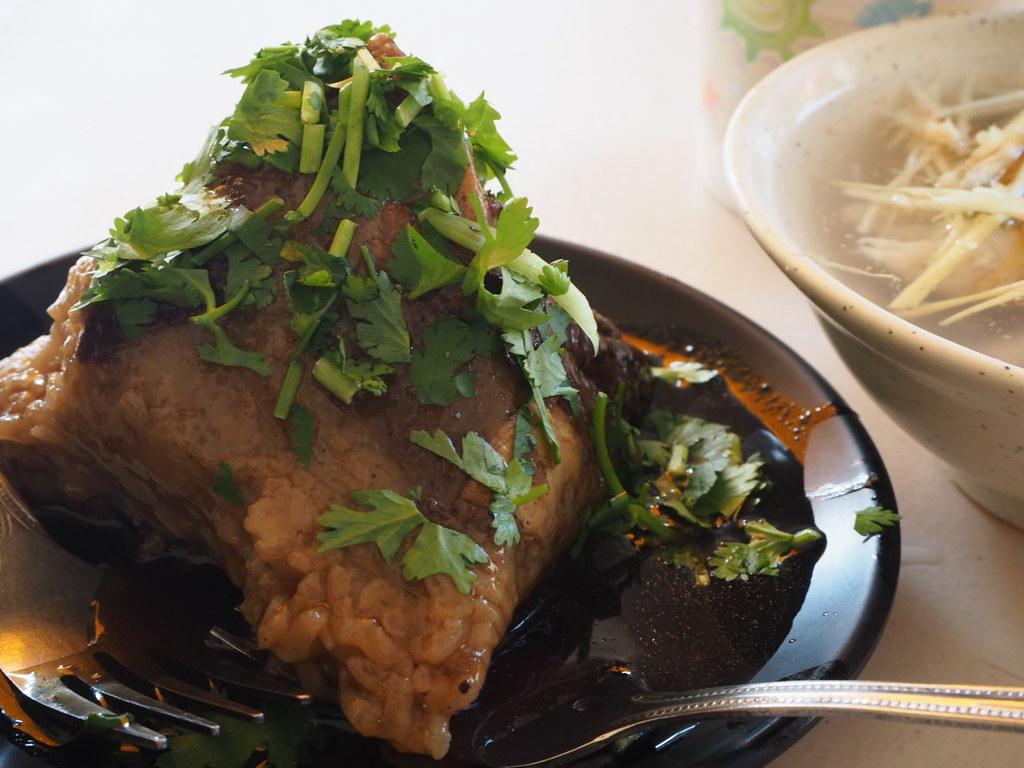 圓環頂菜粽肉粽の月桃葉肉粽