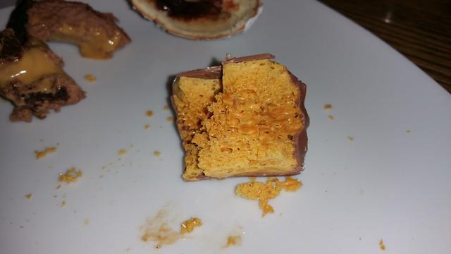 2016-Mar-23 Trattoria Burnaby - funny crunchy dessert thingie