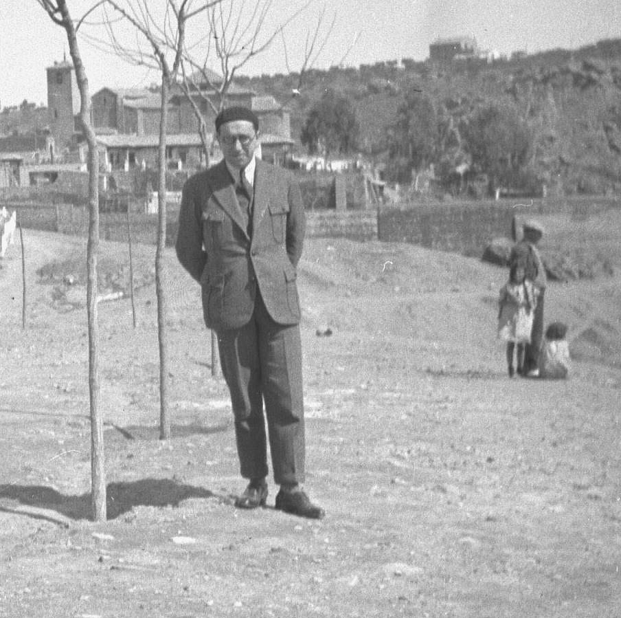 Giacomo Antonini en Toledo en 1935 fotografiado por Reijnier Flaes (detalle)