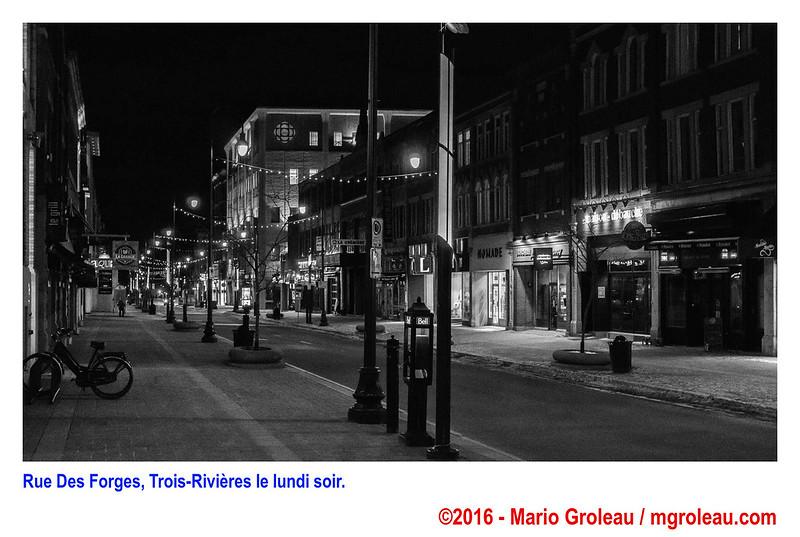 Rue Des Forges, Trois-Rivières le lundi soir.