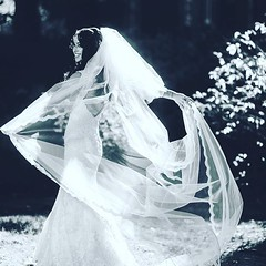 Bride and Veil #bride #joechahwanphotography #joecweddings #joechahwan #weddings #marriage #thknot #weddingwire #yesido #weddingplanner #nycwedding #manhattanwedding #bestweddingphotographer #memories #gown #weddingdress #proposal #ido #blackandwhite #tre