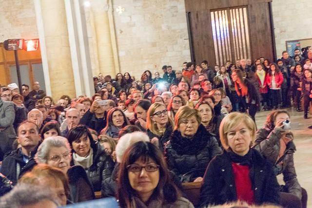 Conversano- gli alunni della carelli forlaji in concerto in catedrale (12)