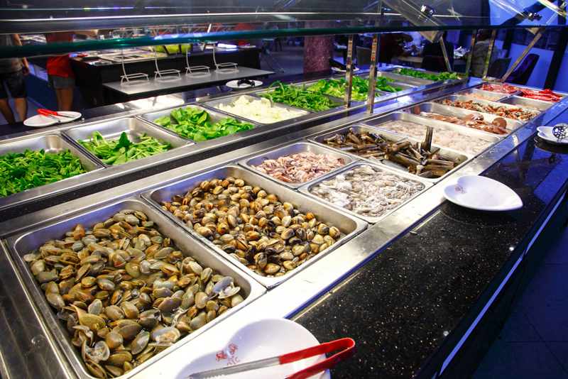 OIC Steamboat Buffet Seafood Counter