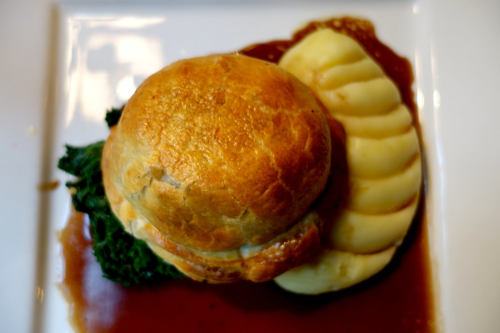 The Ship Tavern - Beef Wellington