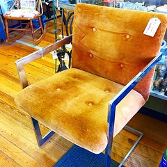 SEEK PAY LOVE… inserting all the 'heart eyes' available for this Milo Baughman style Mid Century Modern  cantilever armchair I found today!
