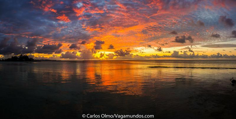P2210318 Pano Puesta de Sol isla Huraa Maldivas