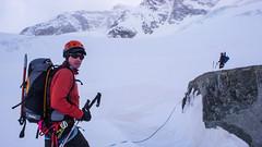 Podejście lodowcem Vadret Pers na Piz Palu 3900m. Piotr i Albert.