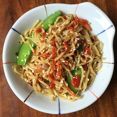 Yakisoba Experiment!! Evie approved (^_^) 私は�…