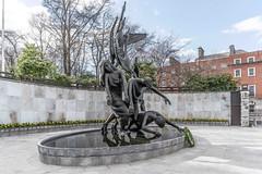 THE CHILDREN OF LIR BY OISIN KELLY [PARNELL SQUARE - DUBLIN]-113634