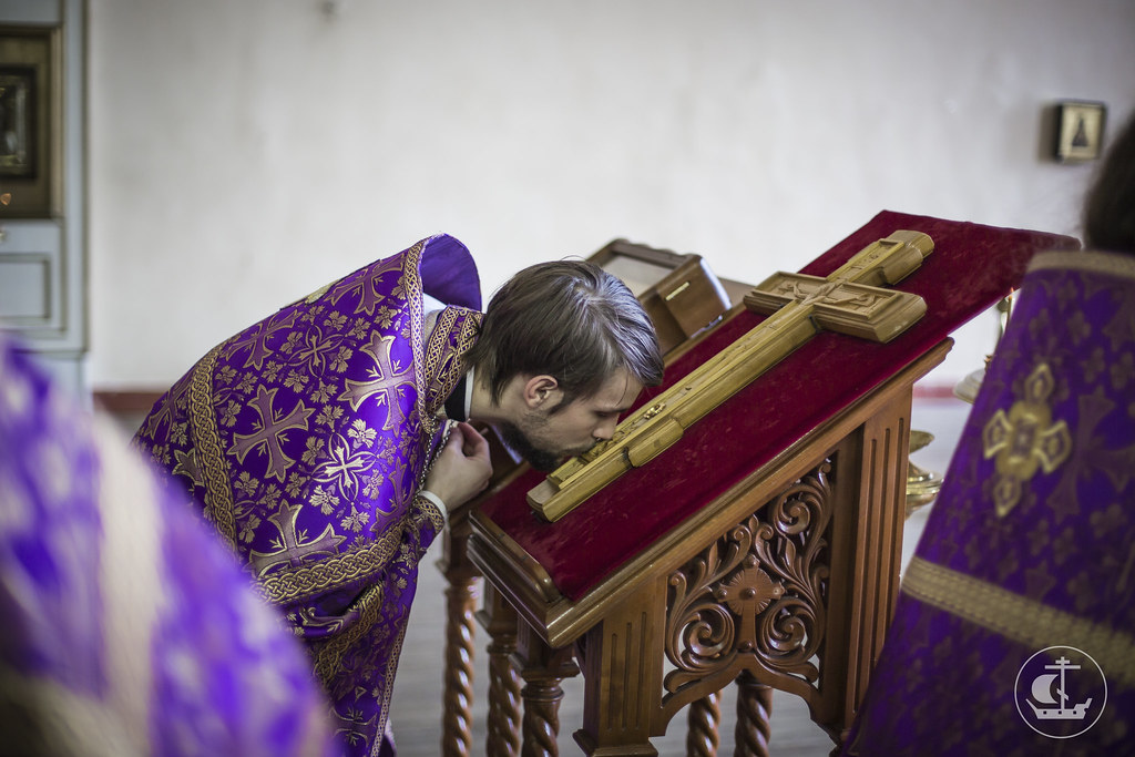 3 апреля 2016, Литургия в Неделю Крестопоклонную Великого поста / 3 April 2016, Liturgy in the Third of Great Lent. Adoration of the Holy Cross