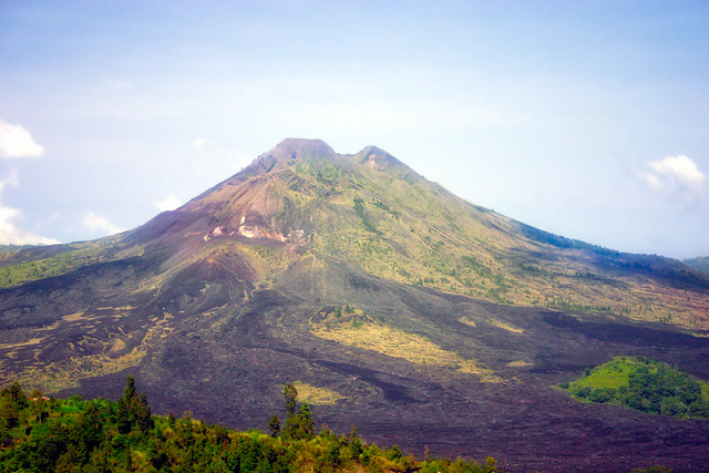 Mount Agung Volcano, Bali, Canon EOS DIGITAL REBEL, Canon 18.0-55.0 mm