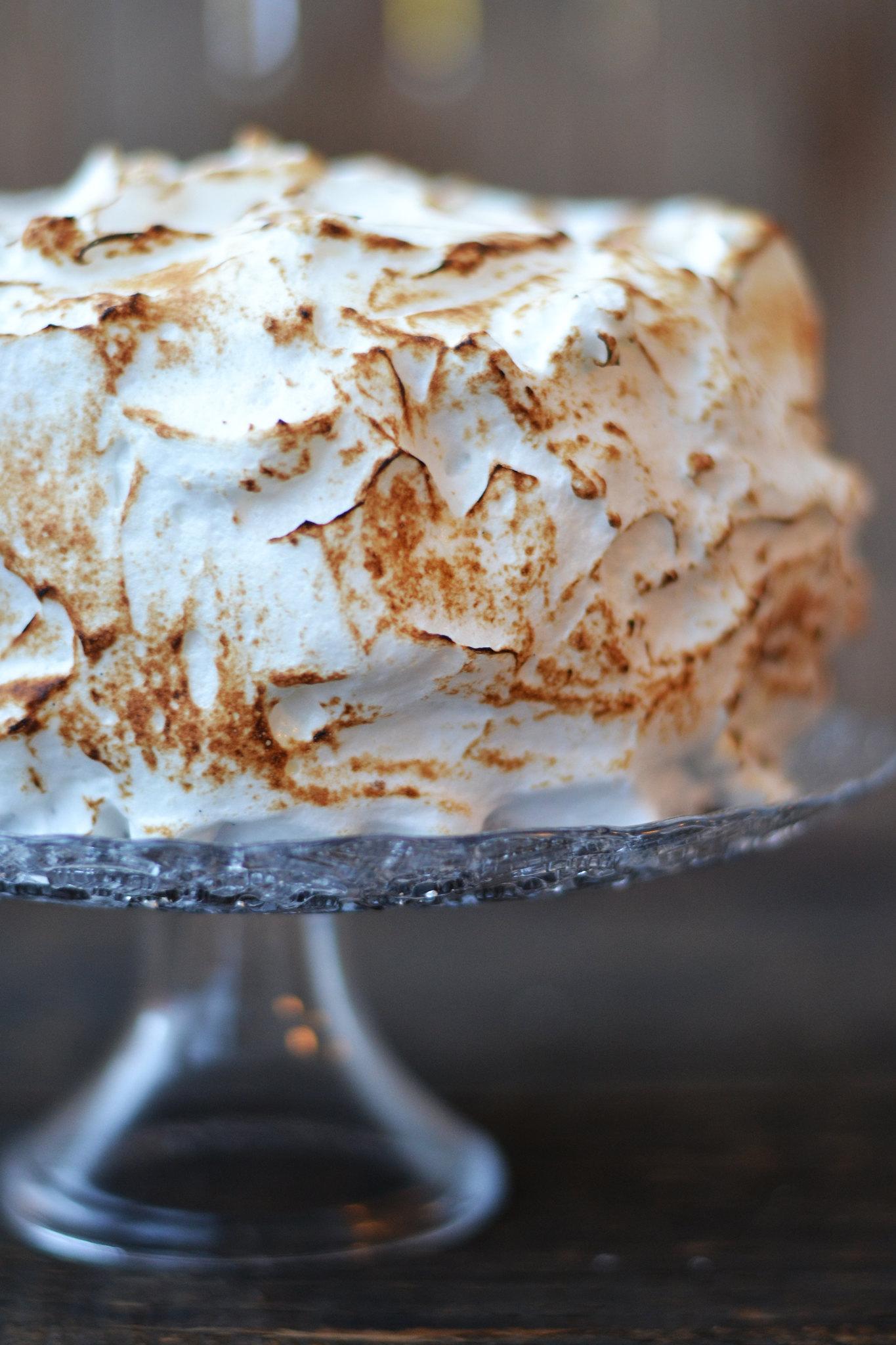 tort cu bezea caramelizata (4)