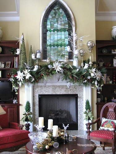Woodland Christmas Mantel - Housepitality Designs