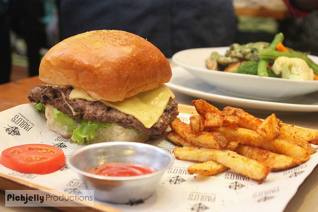The NIX Stop: Pablo's Pub and Restaurant Review