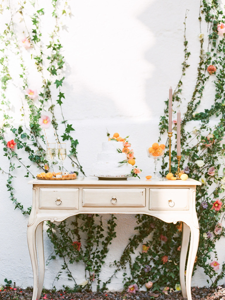 Wedding cake table| photo by Elena Pavlova | Fab Mood - UK wedding blog #weddinginspiration