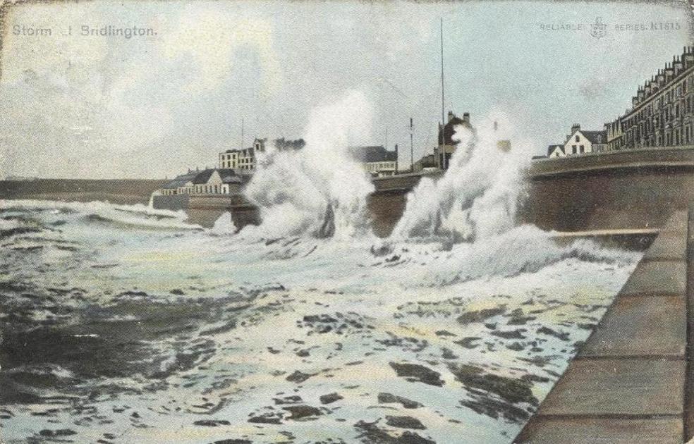 Storm at Bridlington 1905 (archive ref PO-1-20-126)