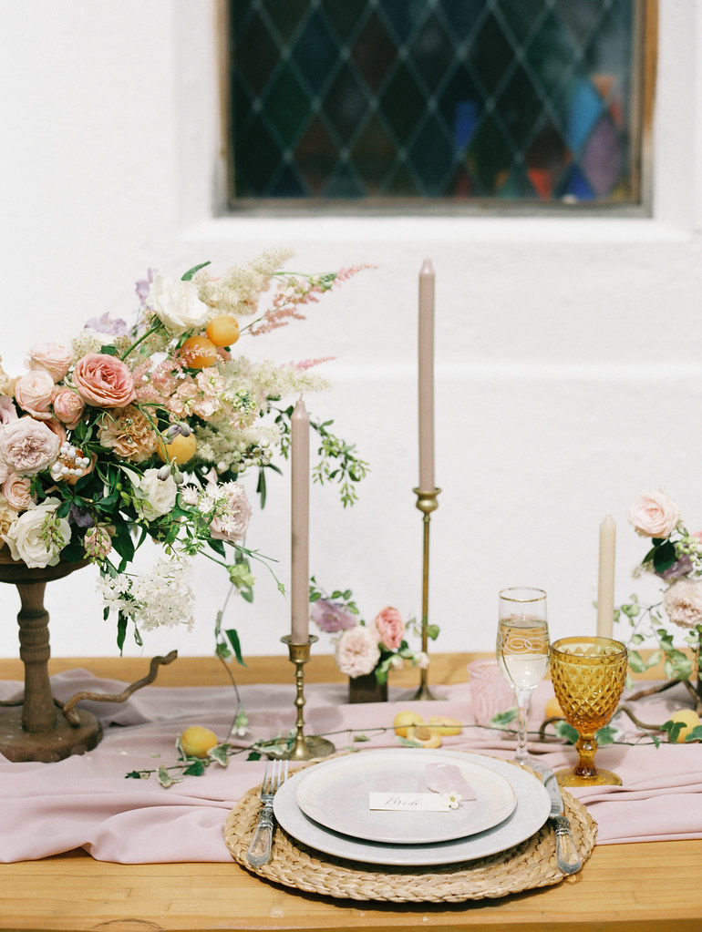 Wedding tables cape + amber glassware| photo by Elena Pavlova | Fab Mood - UK wedding blog #styledshoot