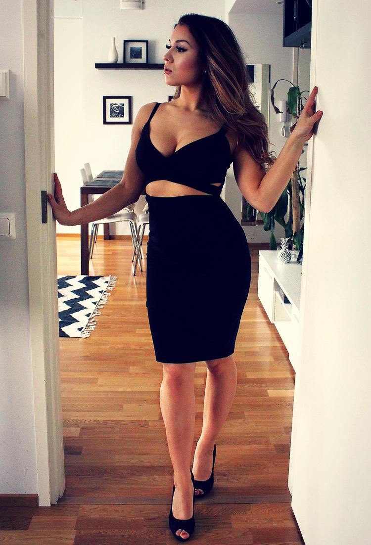 dress 550