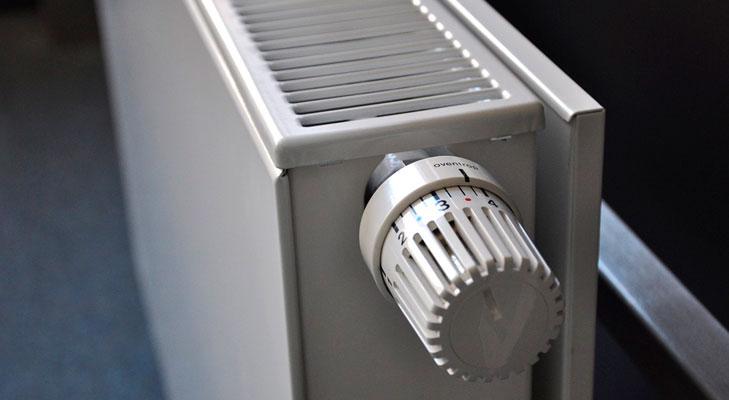 Medidas-microeficiencia-energetica-reducir-gasto-energetico-hogar-729x400