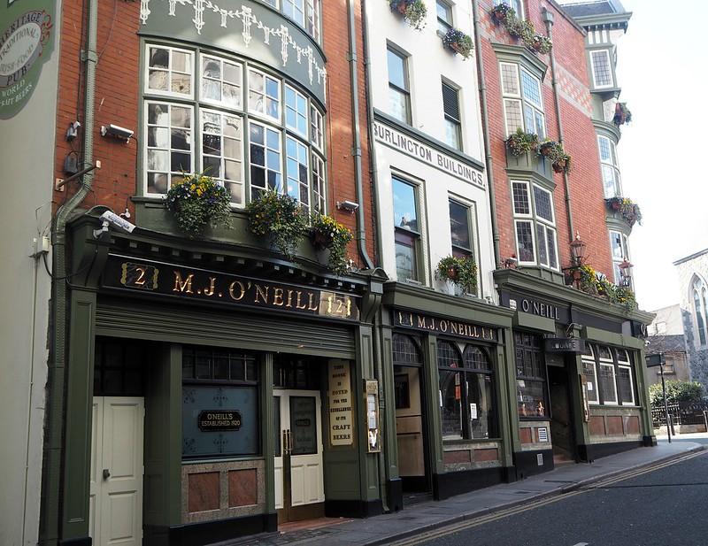 o'neilpubP4171504, pub, ireland, irlanti, dublin, m.j.o'neill, o'neills, o'neills pub,