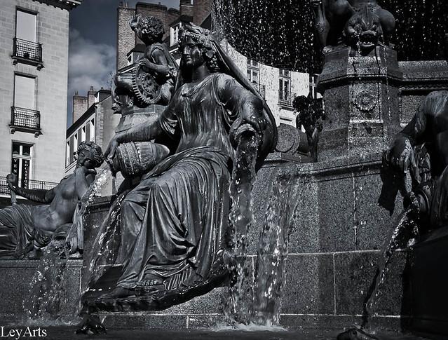 fontaine place royale - Nantes