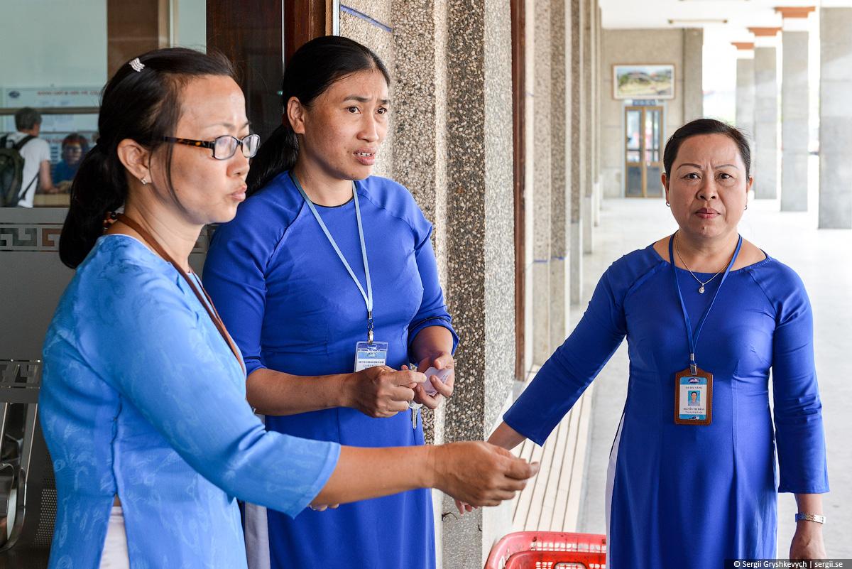 vietnam_reunification_express_train-63