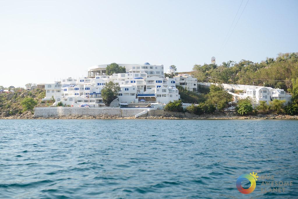 VITALIS VILLAS: Guide to the Santorini-Inspired Villas in Ilocos Sur!