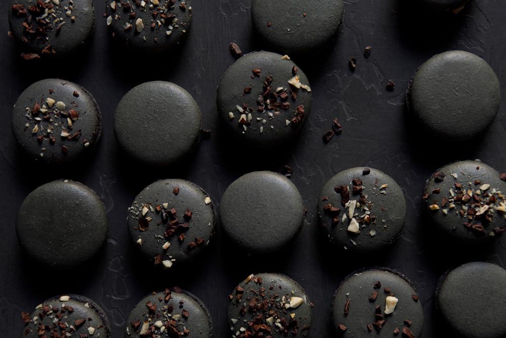 Black Praline Macarons