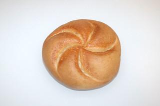 04 - Zutat altbackenes Brötchen / Ingredient stale bun