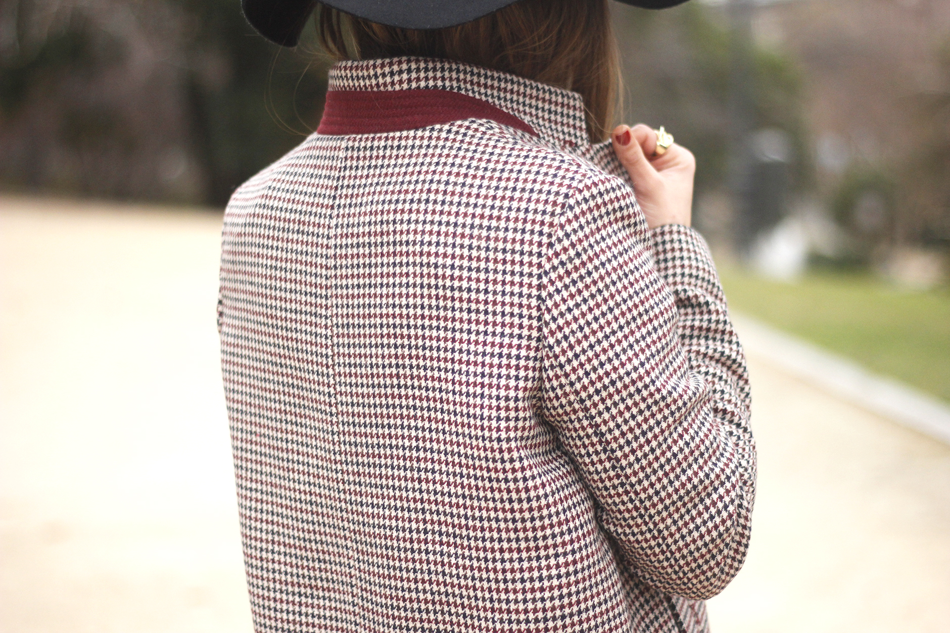 houndstooth coat, white sweater, over the knee boots, black hat, outfit, style, jeans16