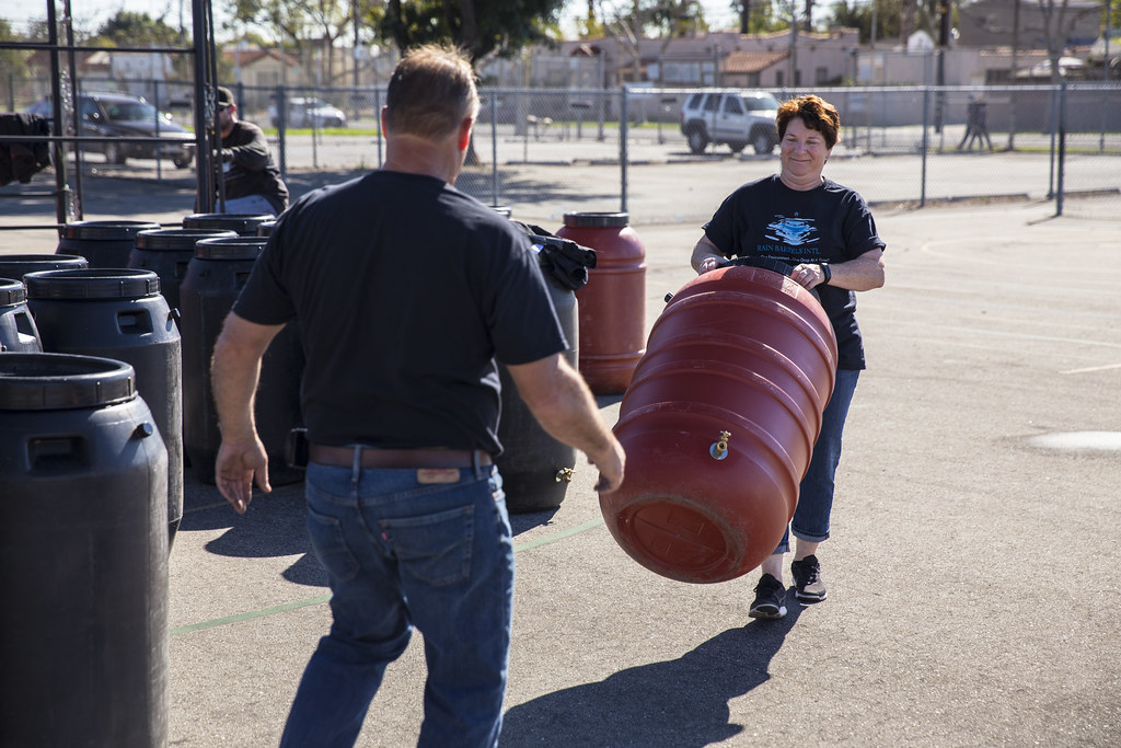 Hughes Middle School Rain Barrel Workshop & Distribution - 2/6/16
