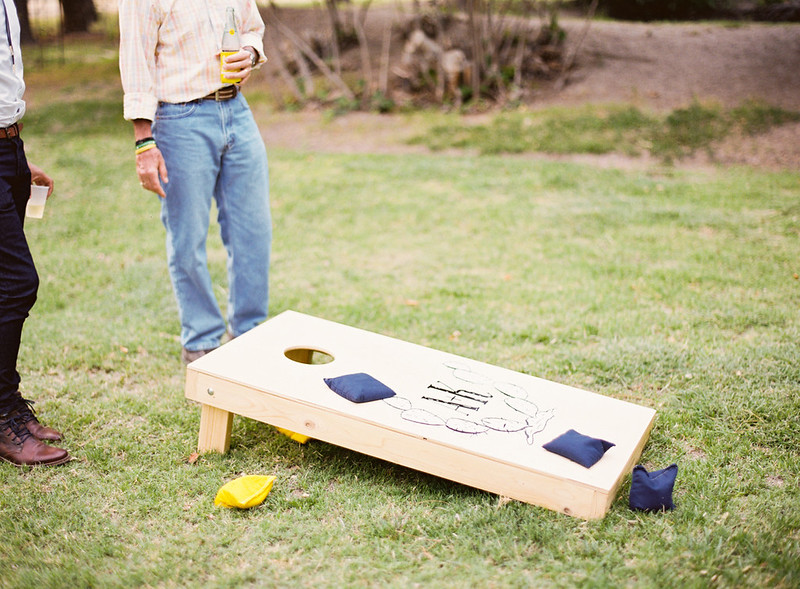 Outdoor games way to entertain wedding guests