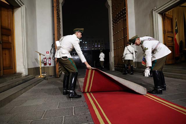 Vicepresidente Jorge Burgos recibe honores de la guardia del Palacio de La Moneda | 30.03.16