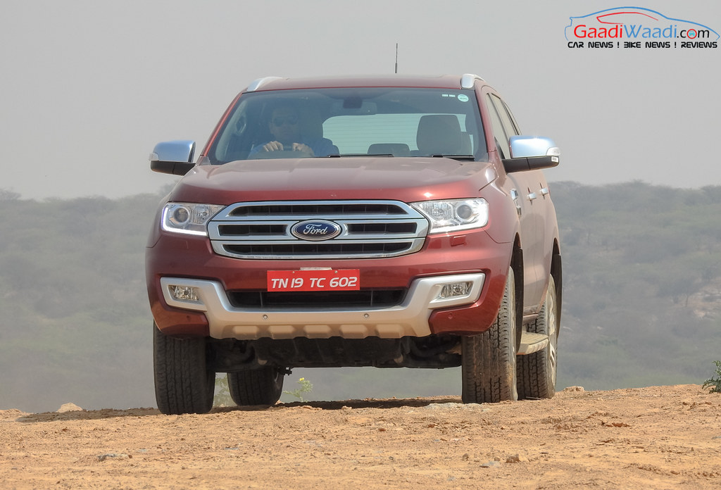 2016 ford endeavour 3.2 front view