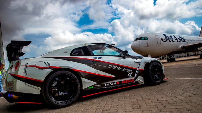 2016-nissan-gt-r-nismo-breaks-the-guinness-world-records-title-for-fastest-drift (1)