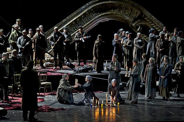 The Royal Opera Chorus in Tannhäuser, The Royal Opera © ROH/Clive Barda, 2010