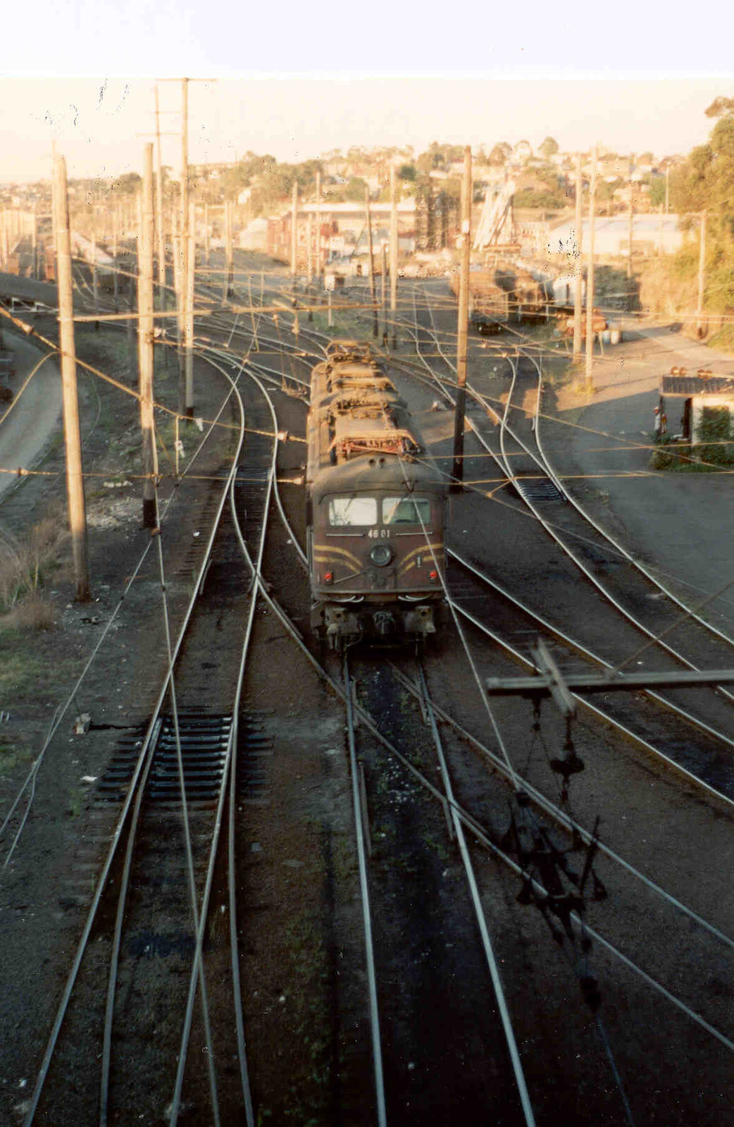 1990MP055V 4611 & 4601 at Rozelle 29-10-1990 by Don5617