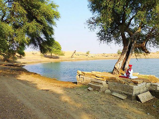 रामगढ़ का तालाब जिसे पनर्जिवित किया गया