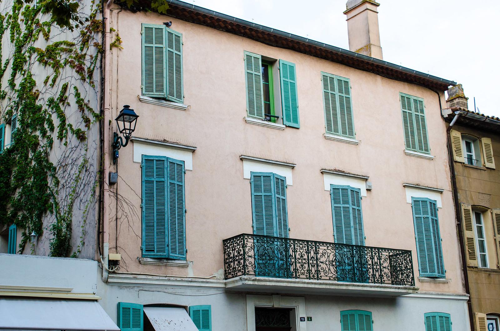 Saint-Tropez, petite ruelle